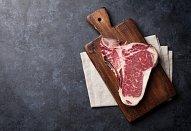 Rump steak a quinou s červenou řepou