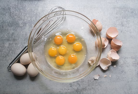 Omeleta s čedarem