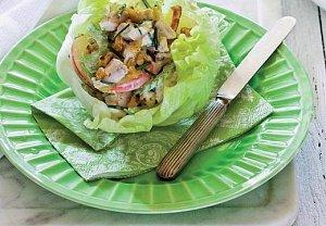 Salát waldorf s kuřetem