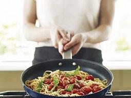 Špagety s rukolovým pestem