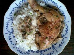 Česnekové kuře s žampionovo-bylinkovou omáčkou