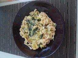 Fetuccini s listovým špenátem a cuketou