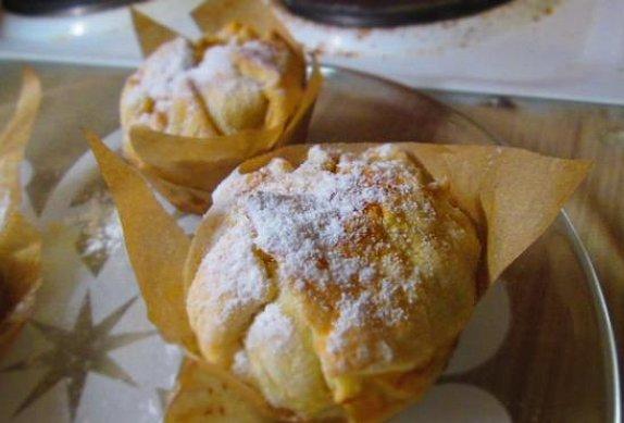 Jablečné měšce s vanilkovou omáčkou