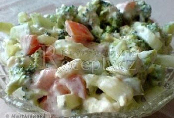 Brokolicový salát s nivou II.