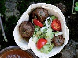 Masové šišky (kebaby) v chlebové placce