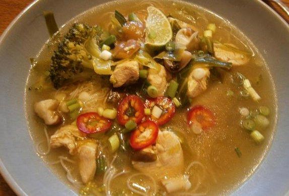 Kuřecí miso polévka s houbami