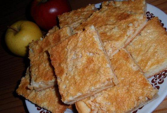 Jablečný koláč se smetanovou polevou photo-0