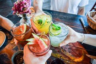 Drinky a koktejly alko i virgin – postup přípravy, suroviny a více variant receptu