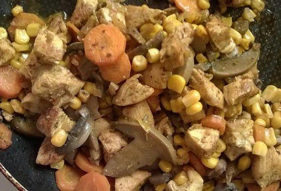 Kuřecí pirohy se zeleninou