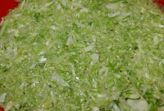 Kysané zelí ve sklenicích + salát