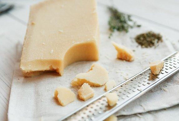Cuketové těstoviny se sýrem
