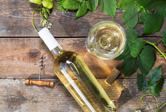 Kuřecí stehna v bílém víně