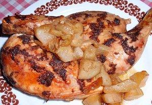 Česnekovo-zázvorové kuře na hruškách - pečené