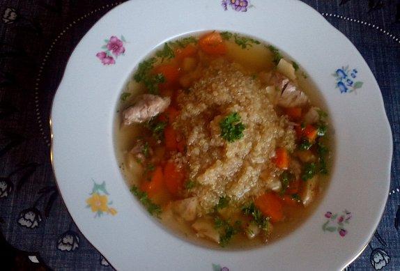 Ovarová polévka s quinoou