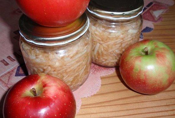 Babiččina dia sterilovaná strouhaná jablka