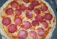Salámová Pizza z listového těsta
