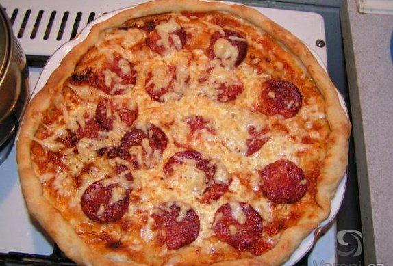 Salámová Pizza z listového těsta photo-0