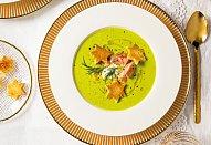 Hrášková polévka s lososem