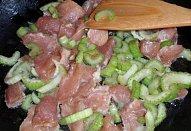 Masová minutka s řapíkatým celerem