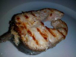 Grilovaná hlavatka (lososovitá ryba)