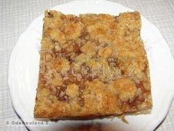 Linecký koláč s jablky a drobenkou