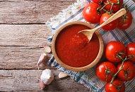 Veganské plněné papriky s rajskou omáčkou