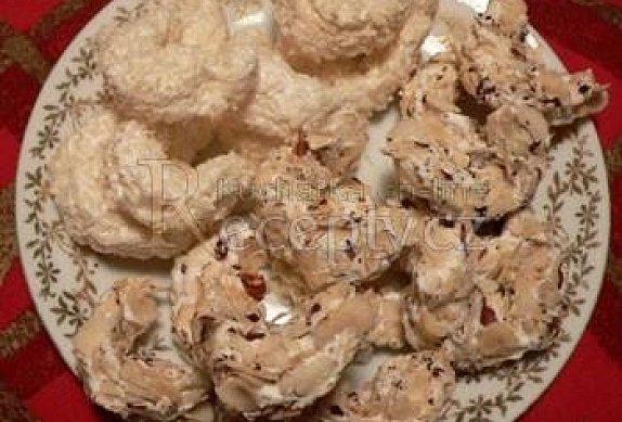 Pěnové rohlíčky oříškové nebo kokosové