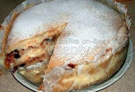 Pudinkový dort z listového těsta a jablky