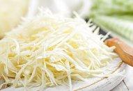 Zelný salát s křenem a paprikou