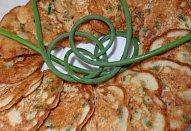 Lívanečky s česnekovými výhonky