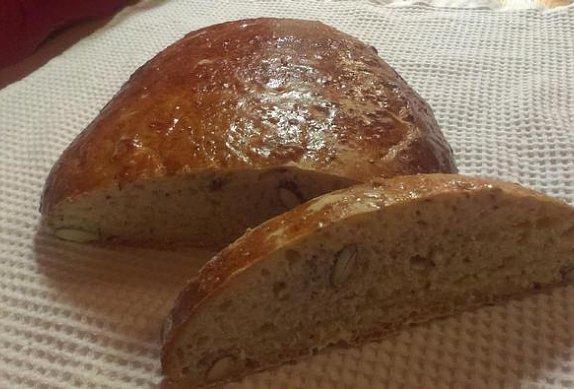 Editin podmáslový chléb s mandlemi photo-0