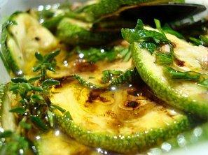 Grilované cukety a lilky v olejovo-octové marinádě