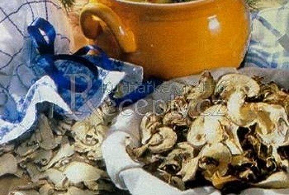 Bramboračka se sušenými houbami photo-0