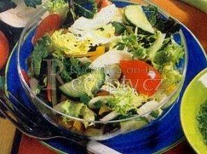 Zeleninový salát s bylinkovou zálivkou