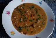 Drožďová polévka s houbami a quinoou