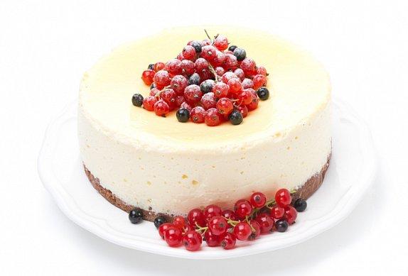 Bezlepkový smetanový dort s rybízem