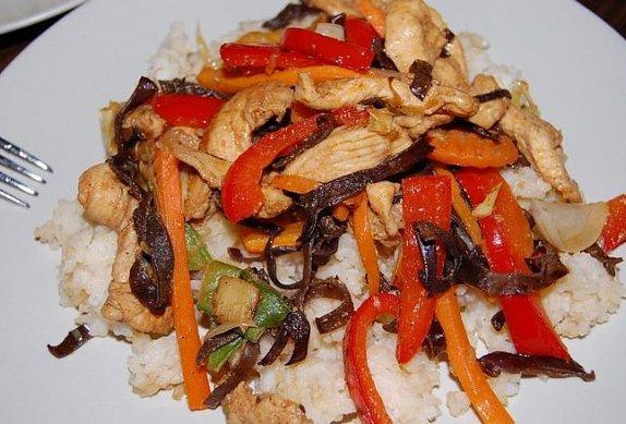 Čína v pánvi wok