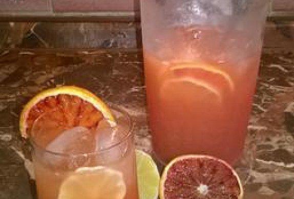 Limonáda z červených pomerančů