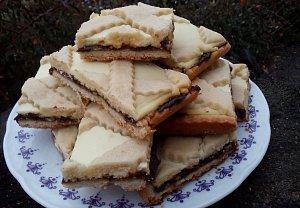 Mřížkový koláč s povidly a tvarohem