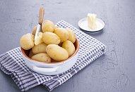 Frittata s jarní cibulkou a hráškem