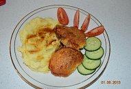 Panenka v česnekovo-sýrové krustě
