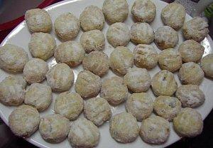 Babiččiny rozinkové sušenky s mandlemi a kandovaným ovocem