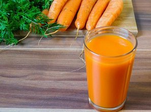 Horké zázvorové smoothie s mrkví