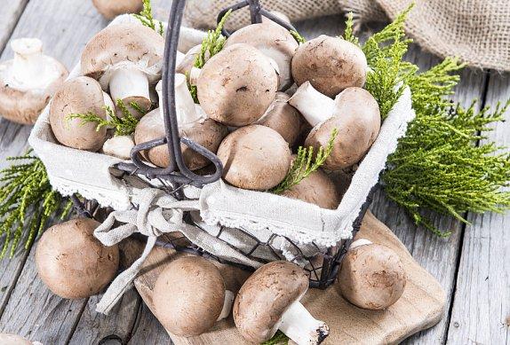 Pikantní krky s játry, žampiony a bramborem