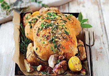 Recept na víkend: Kuře pečené s bylinkami