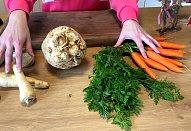 Nakládaná zelenina do bramborového salátu