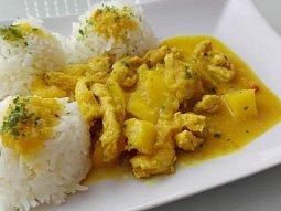 Kuřecí kari s mangem a rýží