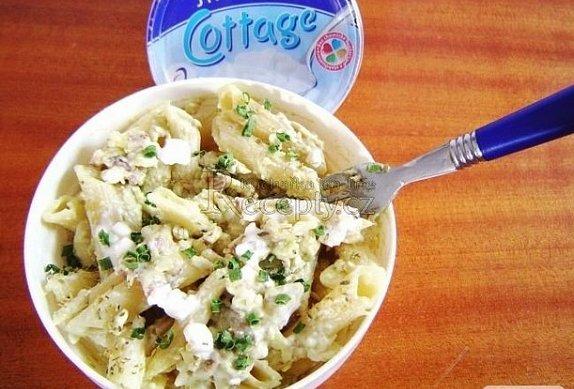 Těstovinový salát s avokádem photo-0