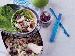 Salát z quinoy a sušených rajčat