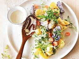Rukolový salát s novými bramborami